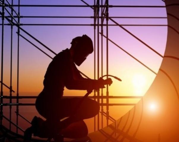 Ищу работу помощника сварщика металлоконструкций